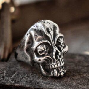 טבעת גוגולת סטיינלס סטיל דגם 0319