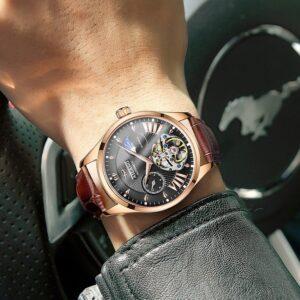 שעון אוטומטי שוויצרי איכותי לגבר