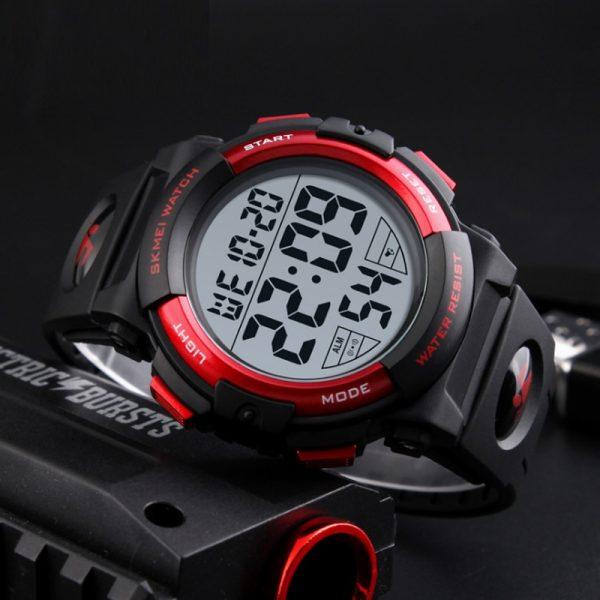 שעון יד יוקרתי לגבר דגם 2104